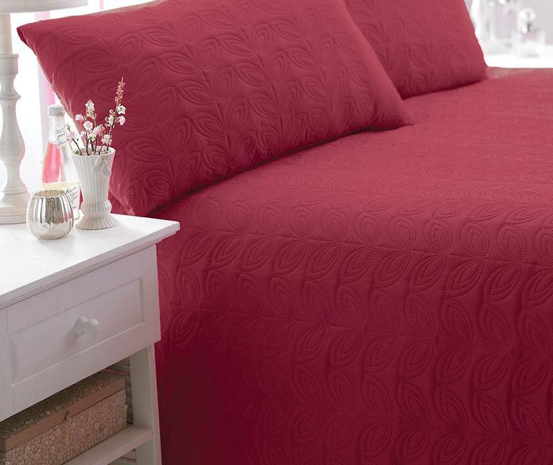 Set cuvertura matlasata King Leaf Red