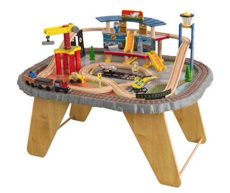 Tren de jucarie cu masa si accesorii Station