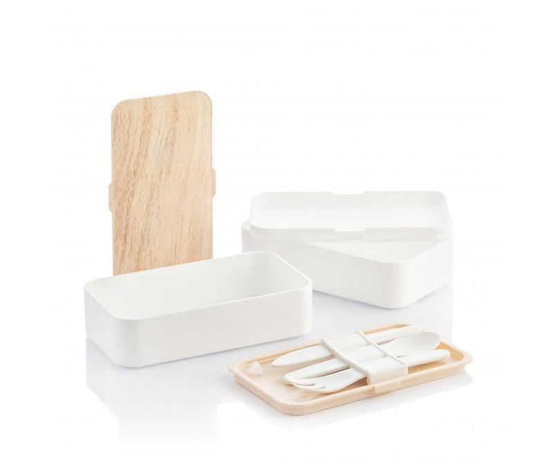 Cutie pentru pranz cu tacamuri